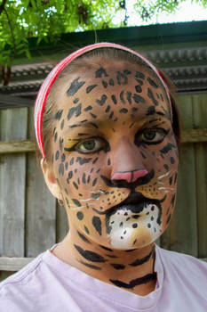 Realistic leopard makeup