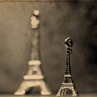Eiffel Tower by Ardisrawr