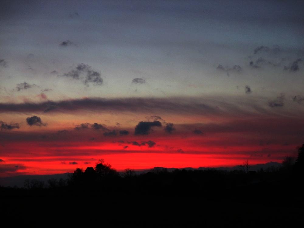 red sky by sunbeamfireking