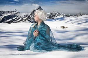 Elsa Frozen Cosplay - here I'll stay.. by WhiteRavenCosplay