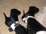 Slut boots with locking shoe cuffs