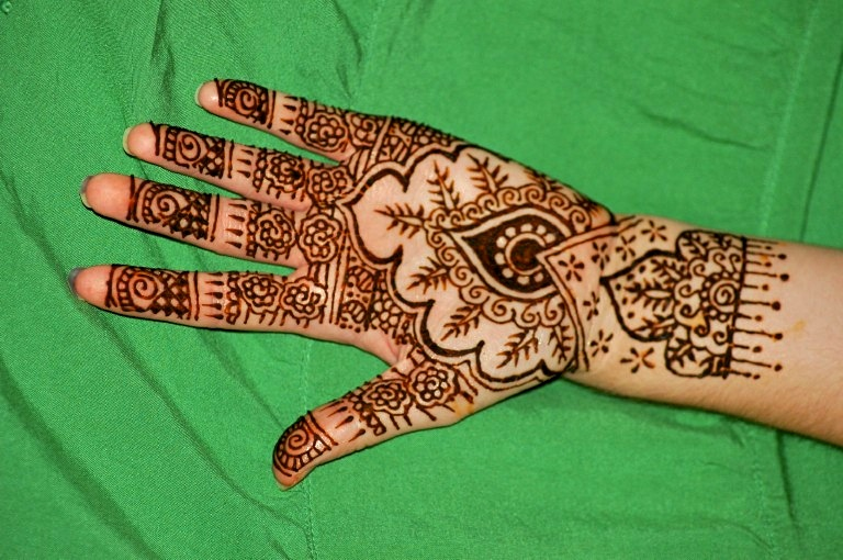 how to make henna paste not stink