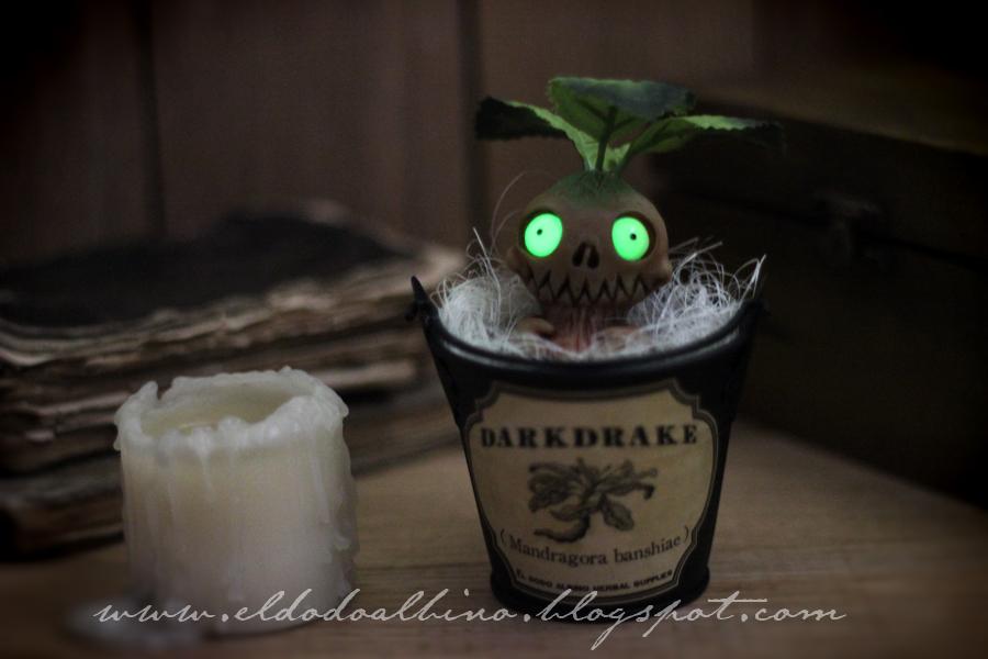 Darkdrake glowing at night by dodoalbino