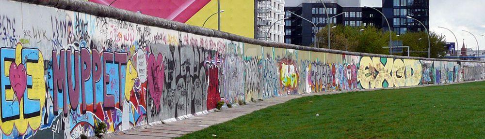 Del otro lado del Muro by voodooprowler