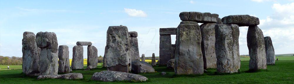 Stonehenge by voodooprowler