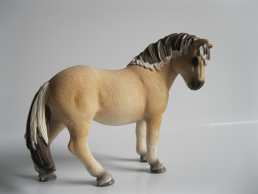 The Name of the Game [Schleich] Eydis_by_tezzieh-d73yvui