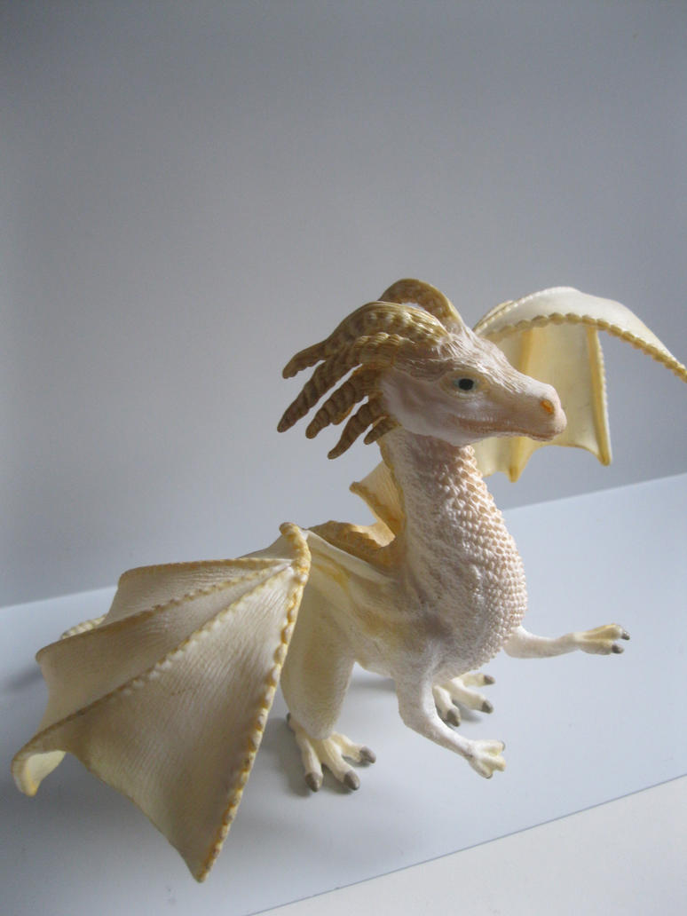 The Name of the Game [Schleich] - Page 3 Viserion_by_tezzieh-d9mb3f2