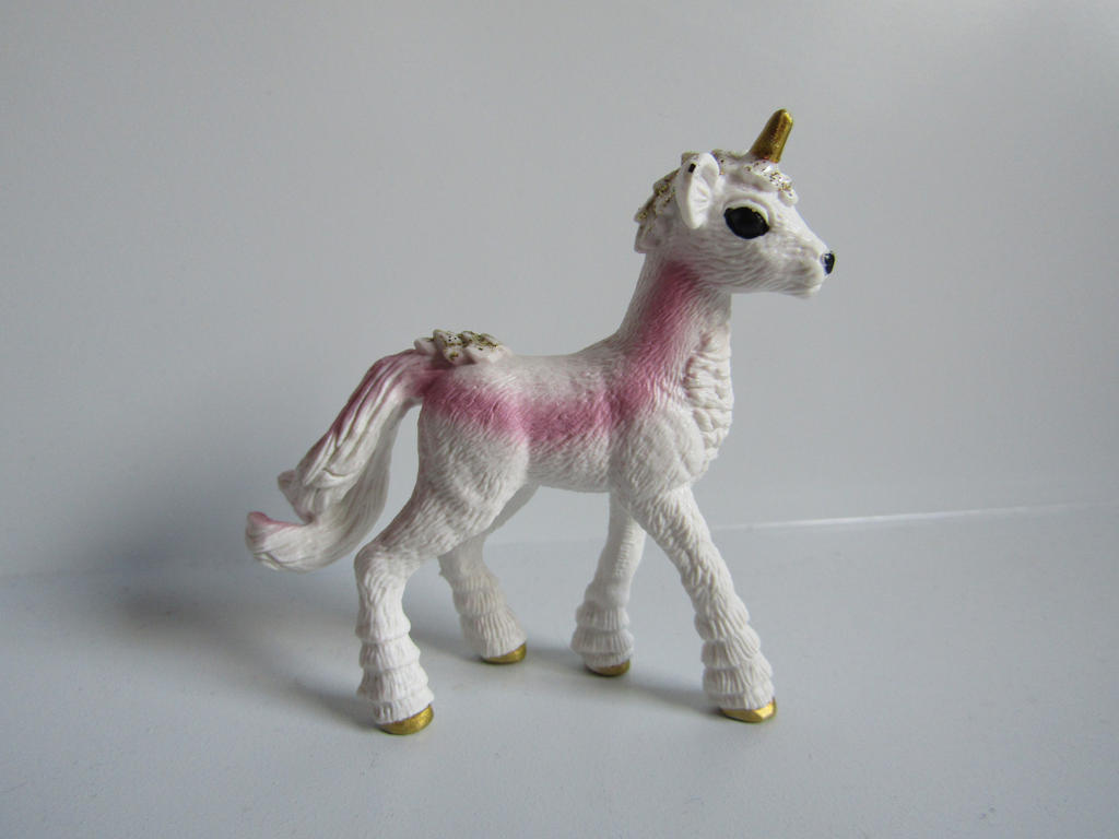 The Name of the Game [Schleich] - Page 2 Tansy_by_tezzieh-d9xy1gz
