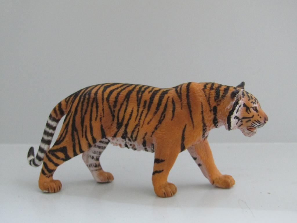 The Name of the Game [Schleich] - Page 3 Shere_khan_by_tezzieh-dapbqw7