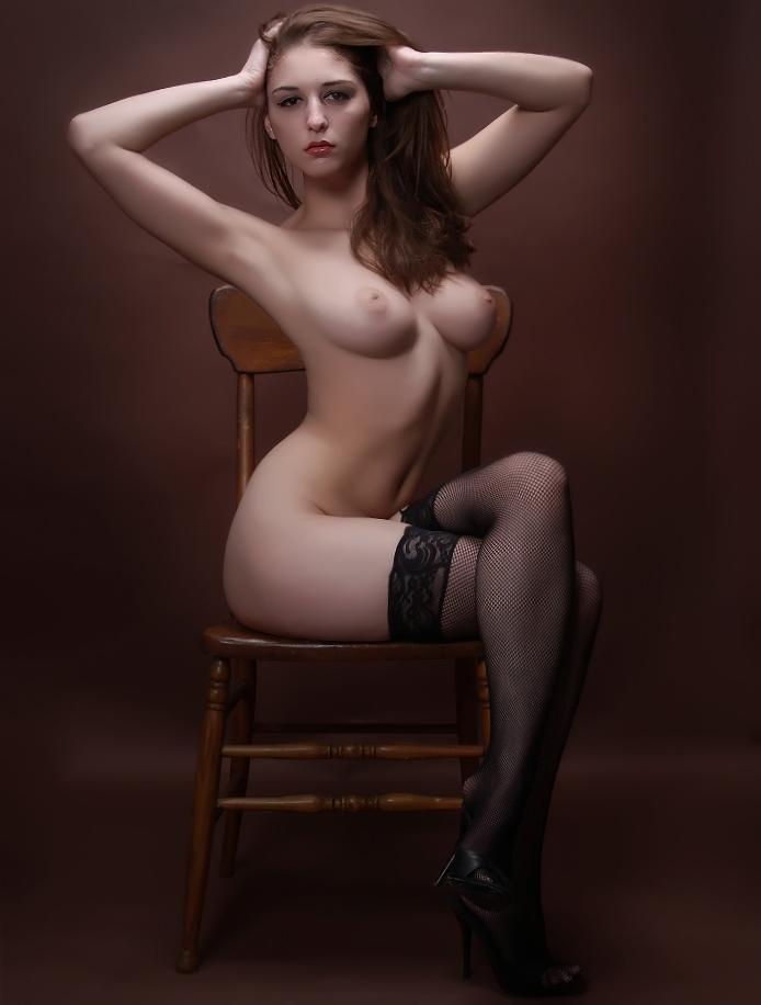 Фото красивых голых девушек в чулках
