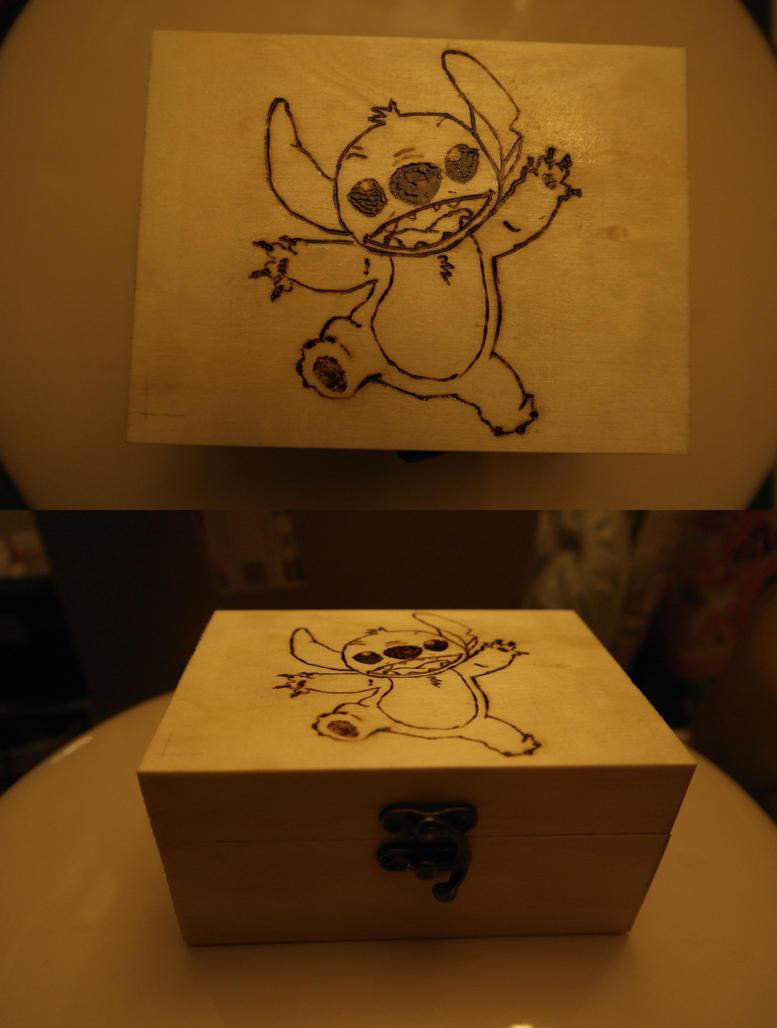 stitch woodbox by calypsoduvertfeu