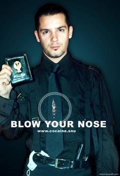 cocaine addict policeman