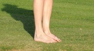 liv tyler feet