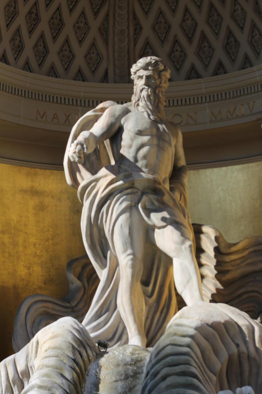 Sculpture-of-zeus-495x660