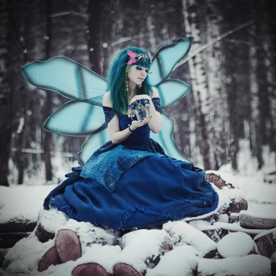 ---Der blaue Schmetterling--- by 13-Melissa-Salvatore