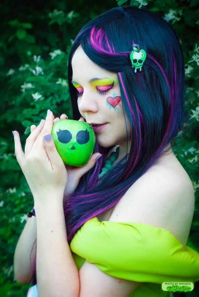 Monster High Cosplay - Snowbite by 13-Melissa-Salvatore