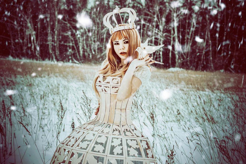 Wooden Queen by 13-Melissa-Salvatore