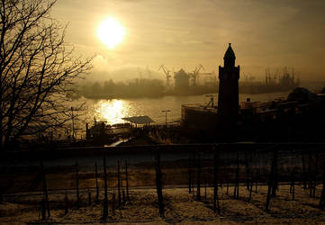 Hamburg Landungsbruecken by sandor99