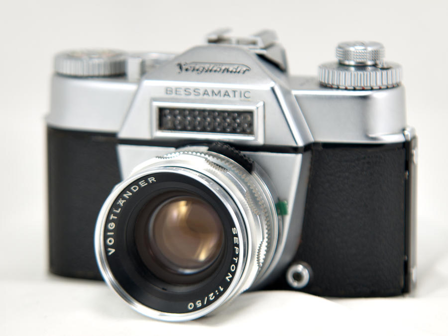 Voigtlaender Bessamatic with Septon 50mm f2 by sandor99