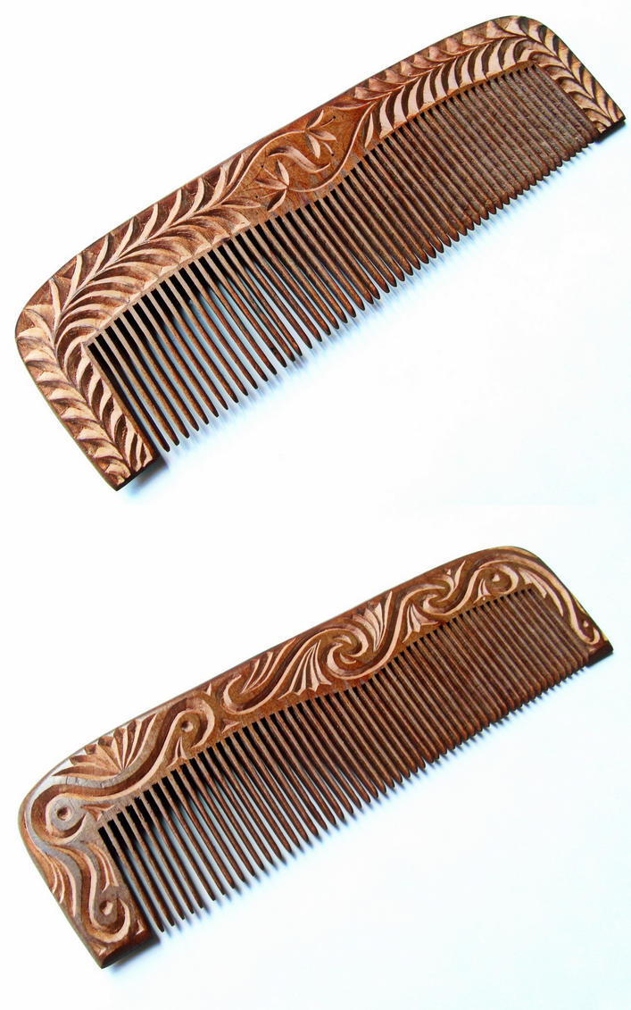 WOODEN COMB 2 by MassoGeppetto
