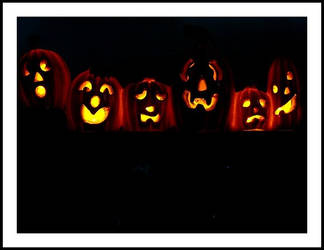 Glowing Pumpkins by guendella