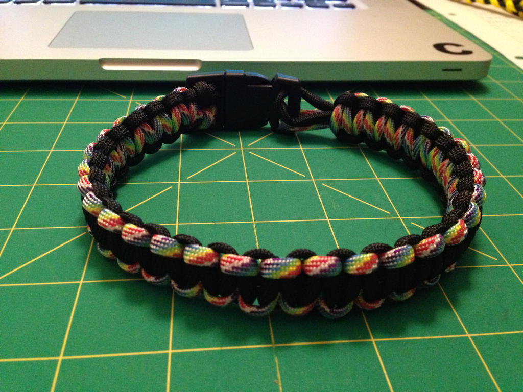 Paracord dog collar by caitlondie on deviantart for Paracord wallpaper