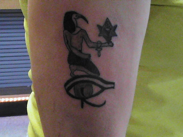 The gallery for egyptian god thoth tattoos for Eye of horus temporary tattoo