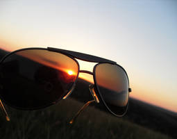 sunst tru the glasses by m1n1maL