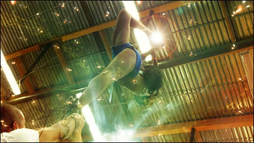 --Galeria de DZ-- The_acrobat_by_beckem88-d38nd2q