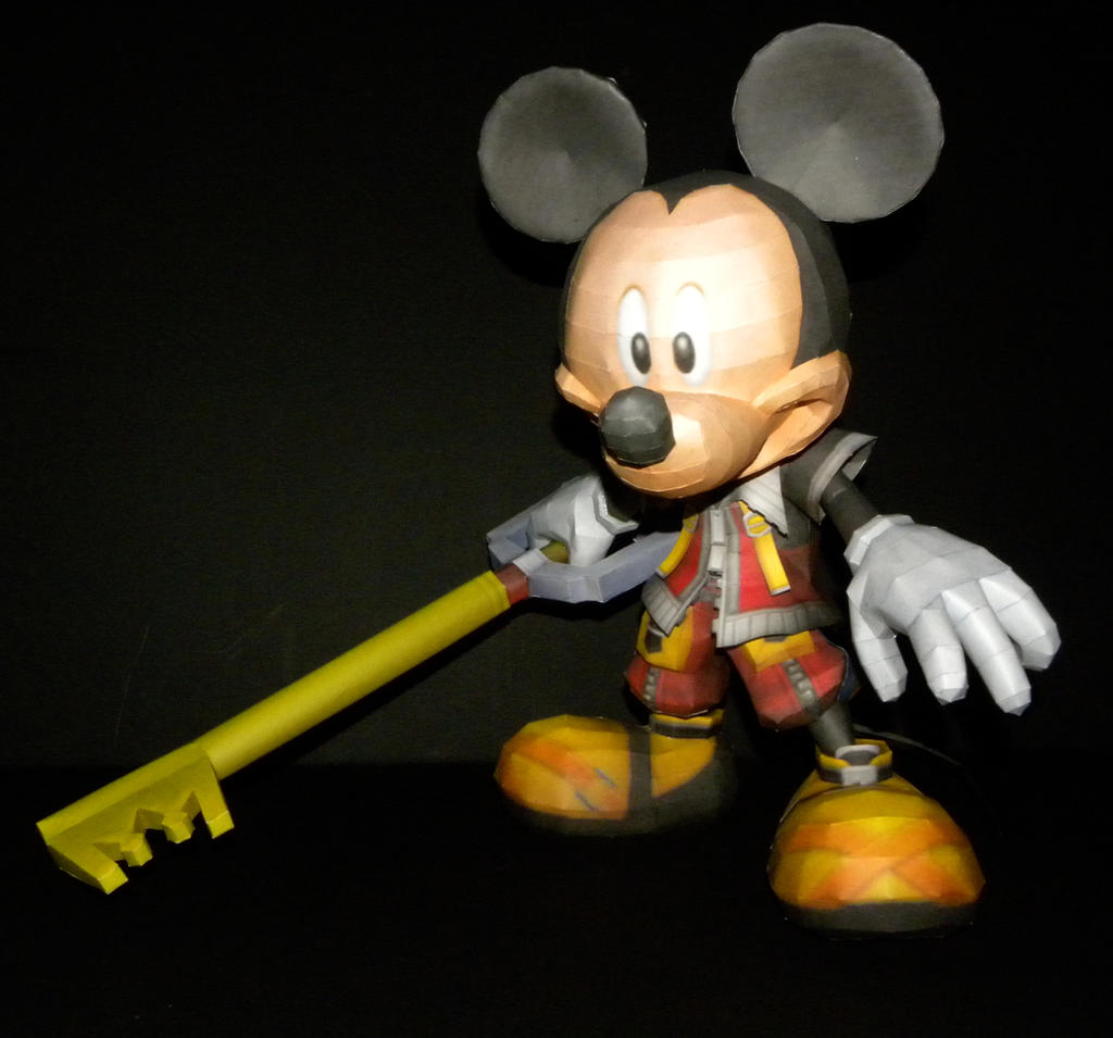 KH Mickey Papercraft by TouchFuzzyGetDizzy