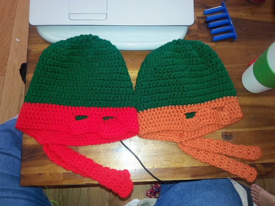 Teenage Mutant Ninja turtles mikie and Raph by Ahriannah