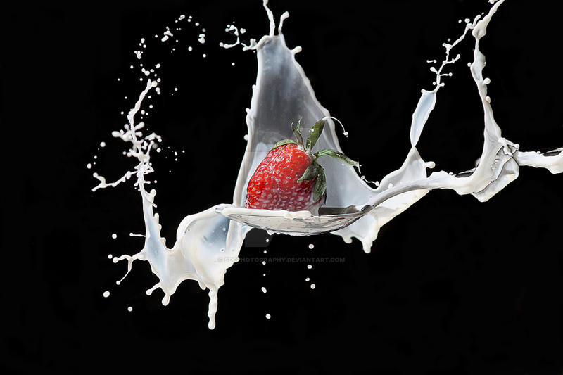 strawberry splash by sdfphotography