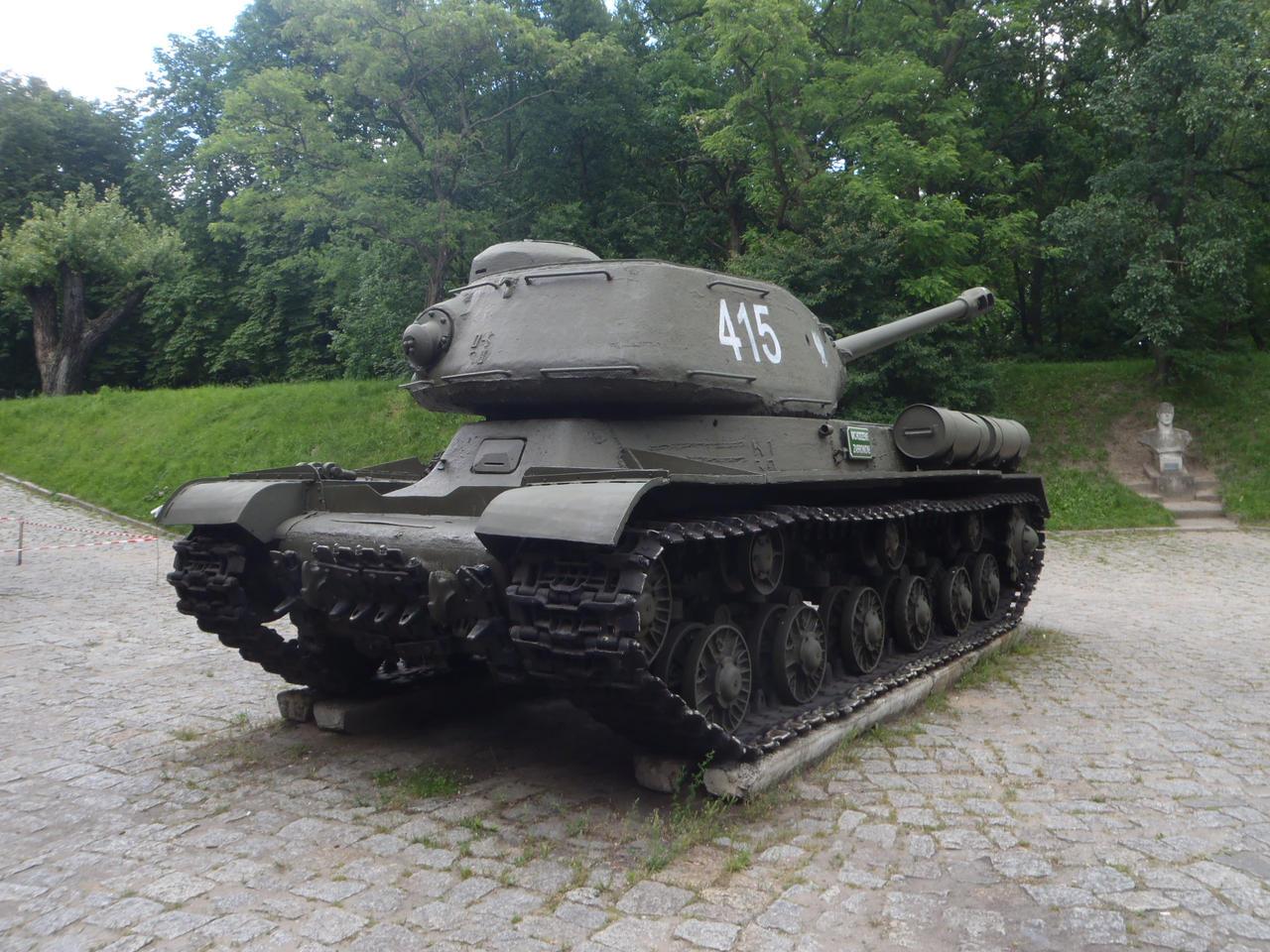 IS-2 Heavy Tank III by WormWoodTheStar