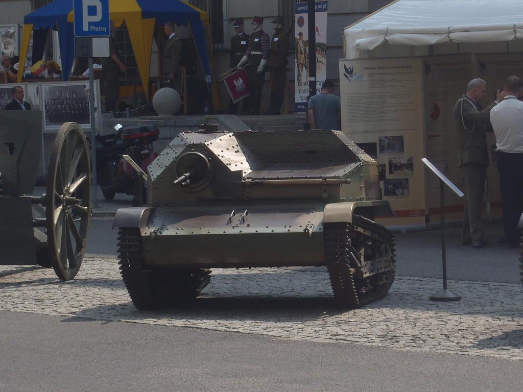 TKS tankette II by WormWoodTheStar
