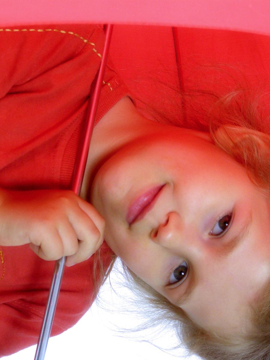 Red umbrella by Shira9