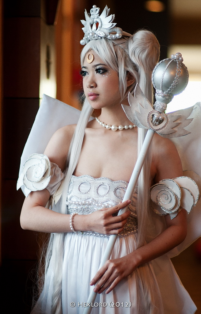 Neo-Queen Serenity by hexlord