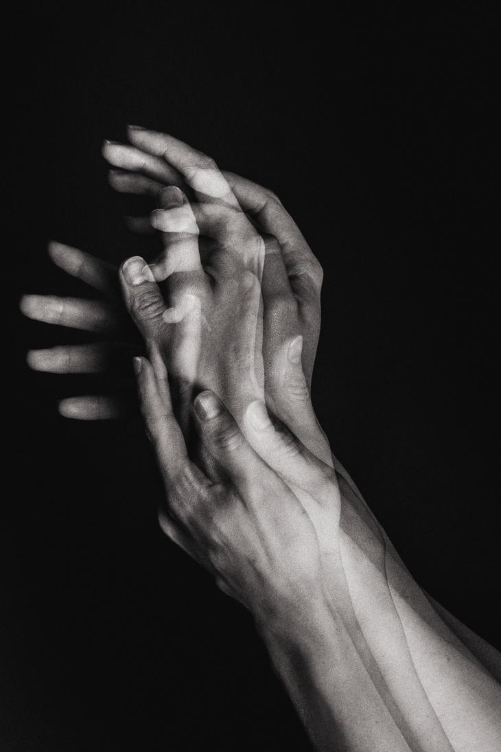 hands by JordanRobin