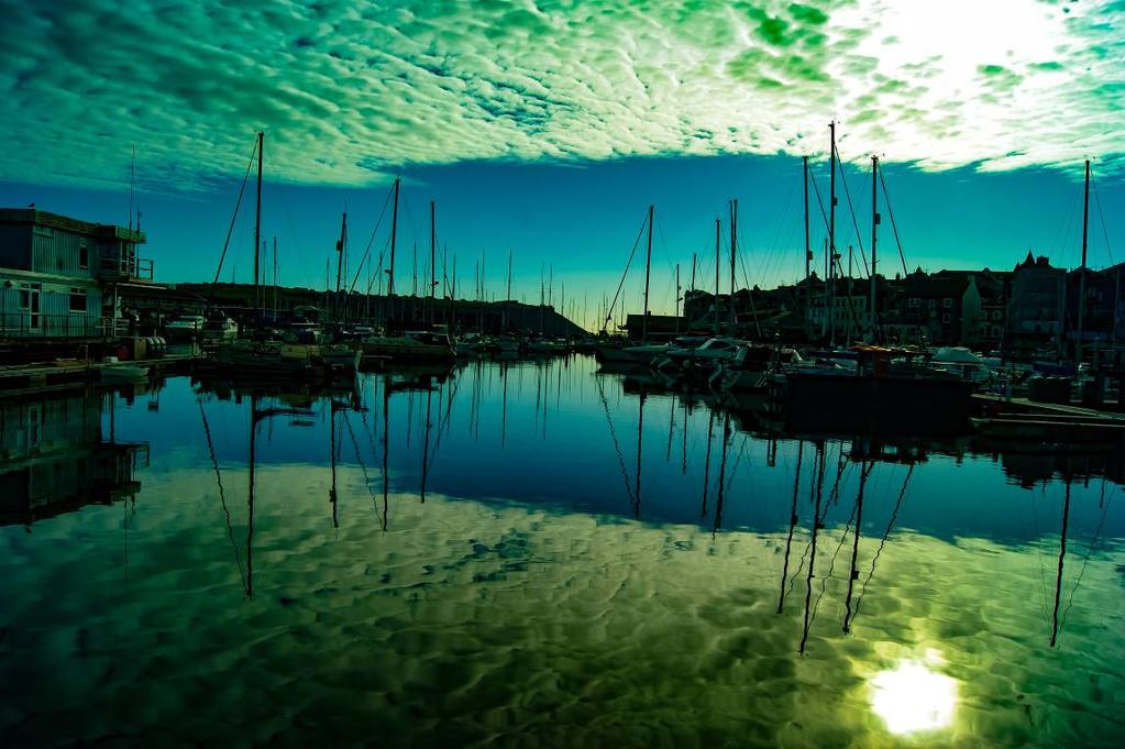 ocean mirror by PolarSparky