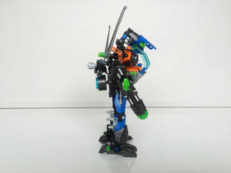 LEGO MOC - GCNE-29 Cobalt Azure 02 (side view) by ComicGuy89