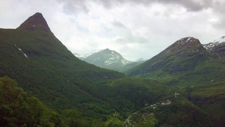 Mountain peaks at Geiranger, Norway