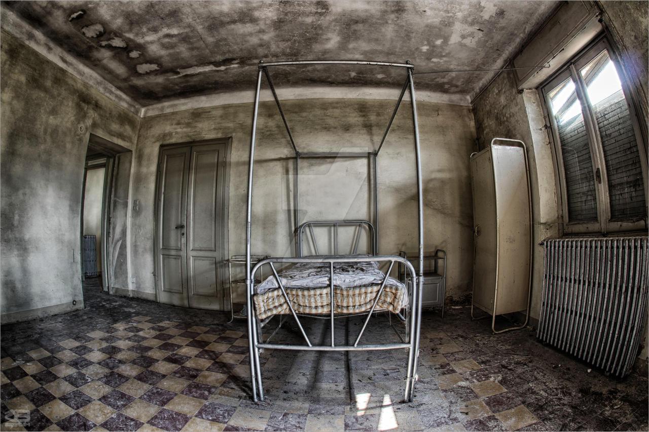 stanza di ospedale by FatmeBondage