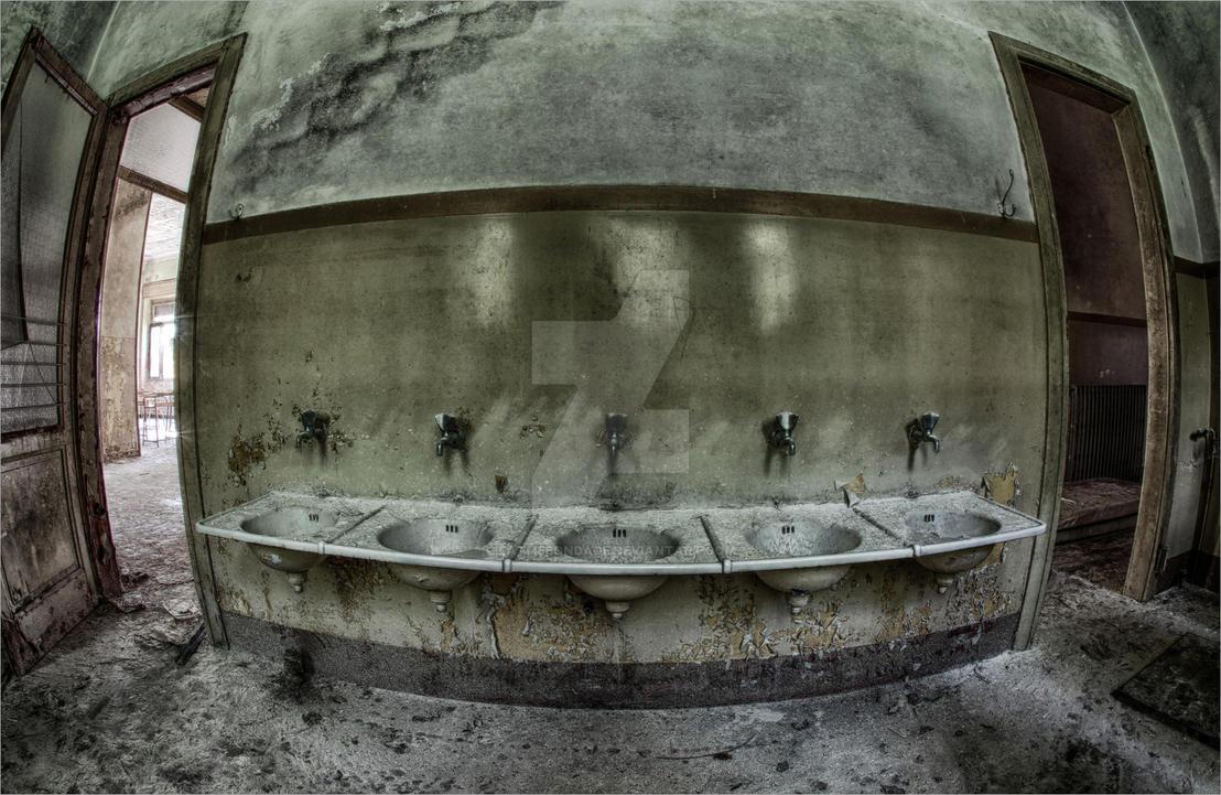 bacino della lavata... by FatmeBondage