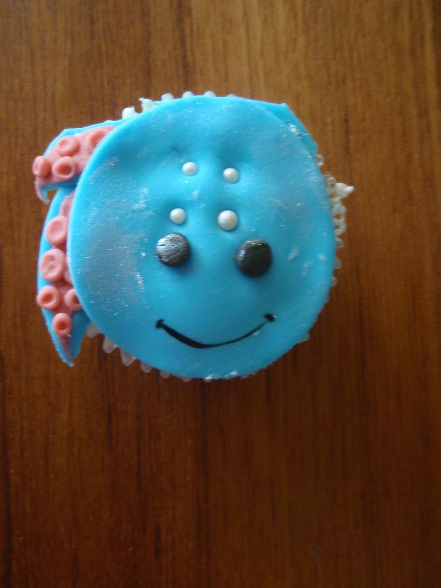 Fizz Cupcake by Elliesmeria