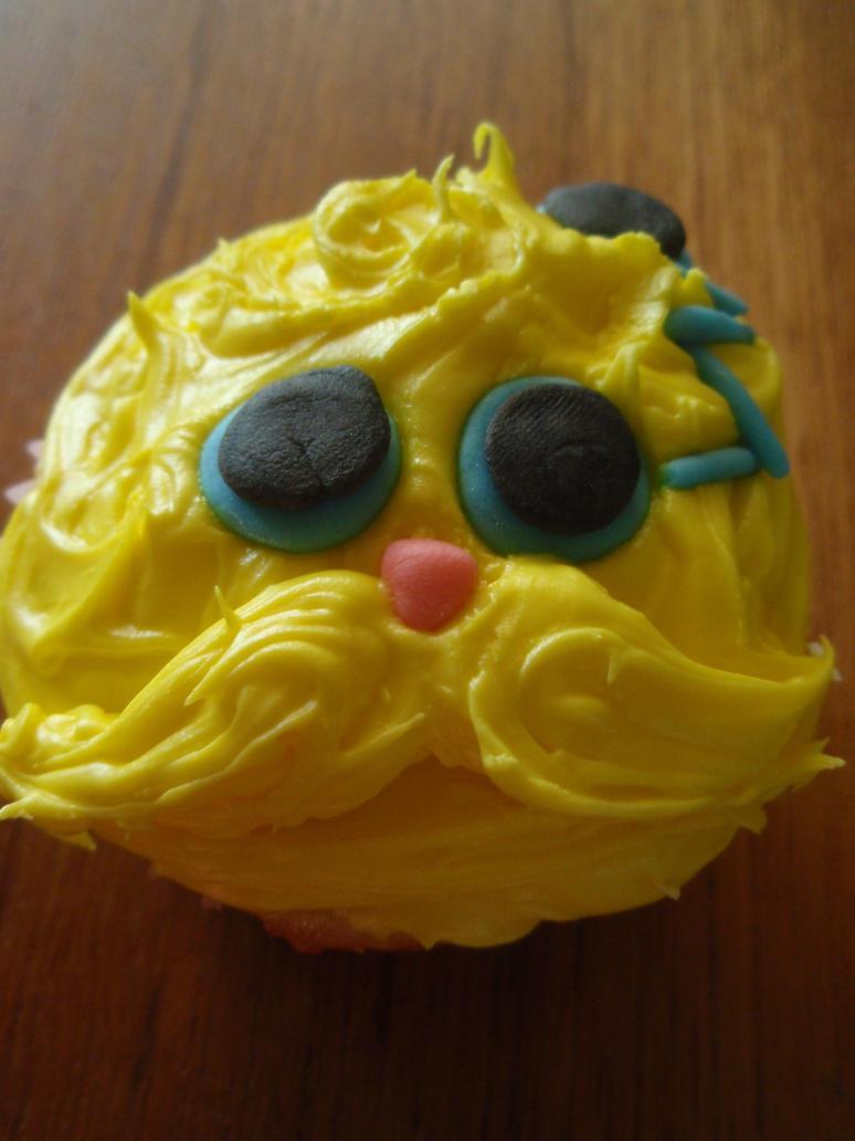 Himerdinger cupcake by Elliesmeria