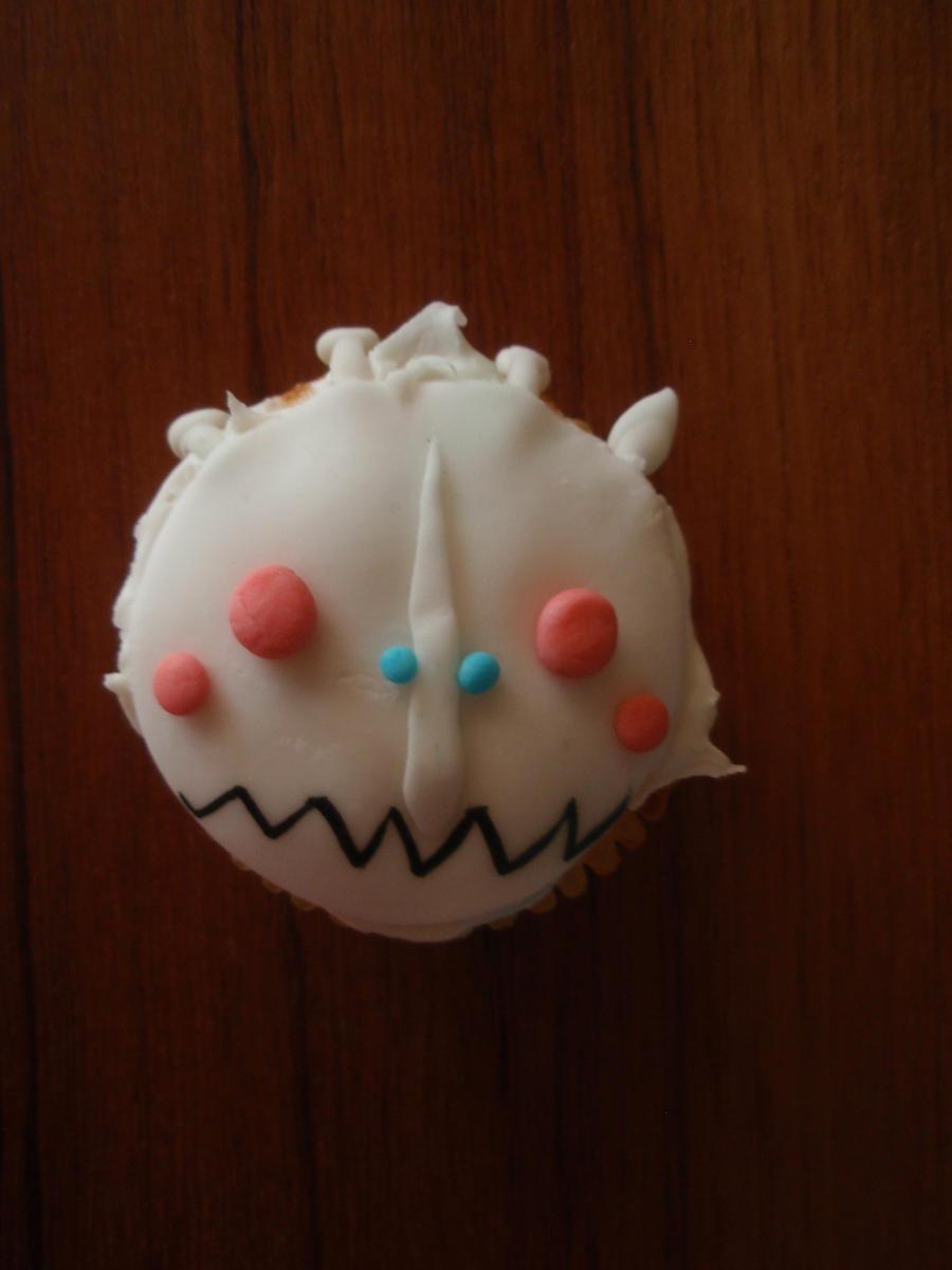 Kogmaw cupcake by Elliesmeria