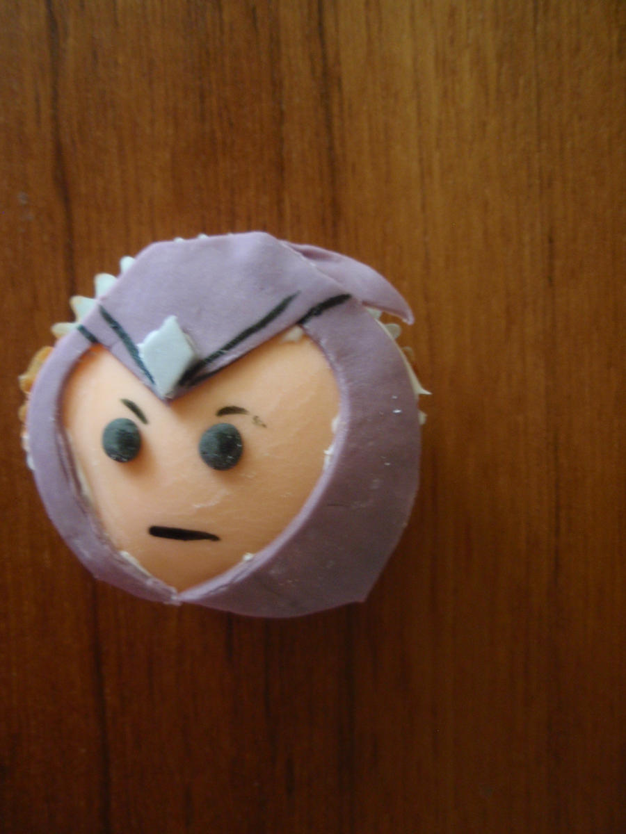Talon Cupcake by Elliesmeria