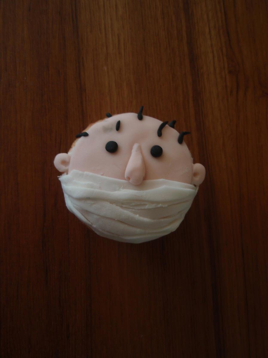 Singed Cupcake by Elliesmeria