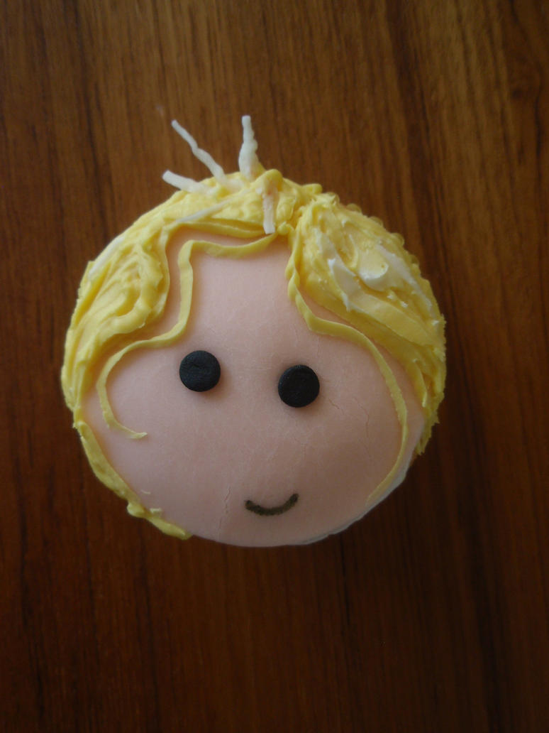 Lux Cupcake by Elliesmeria