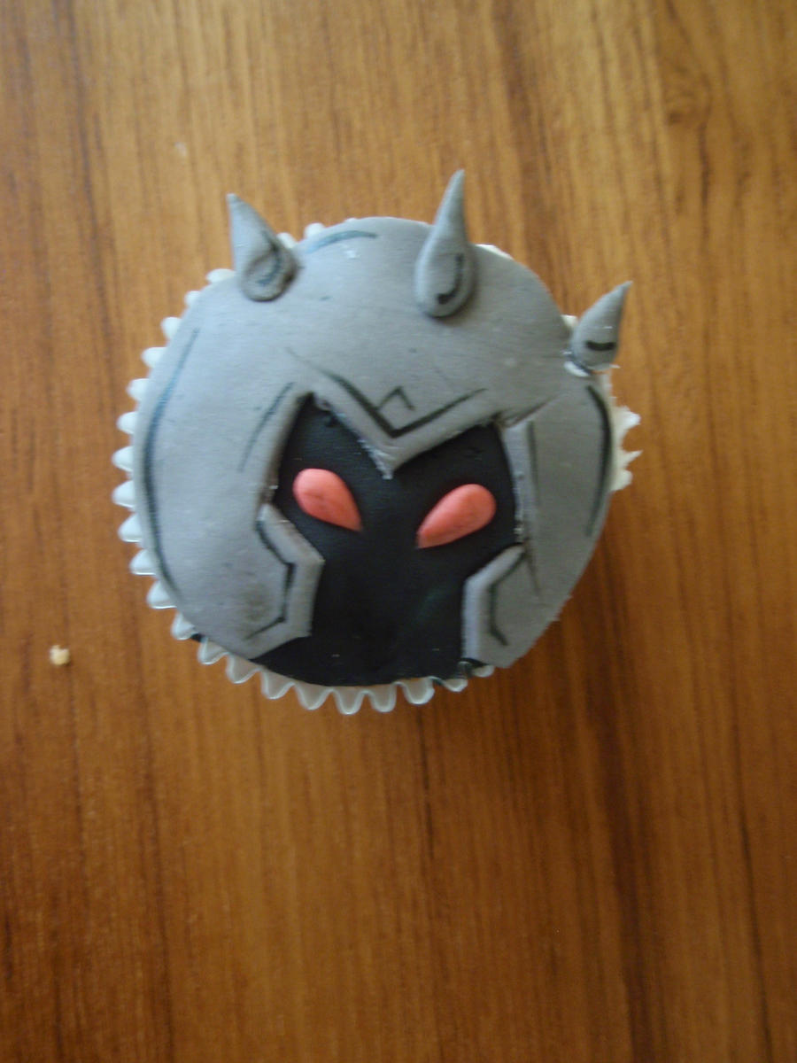 Mordekaiser Cupcake by Elliesmeria
