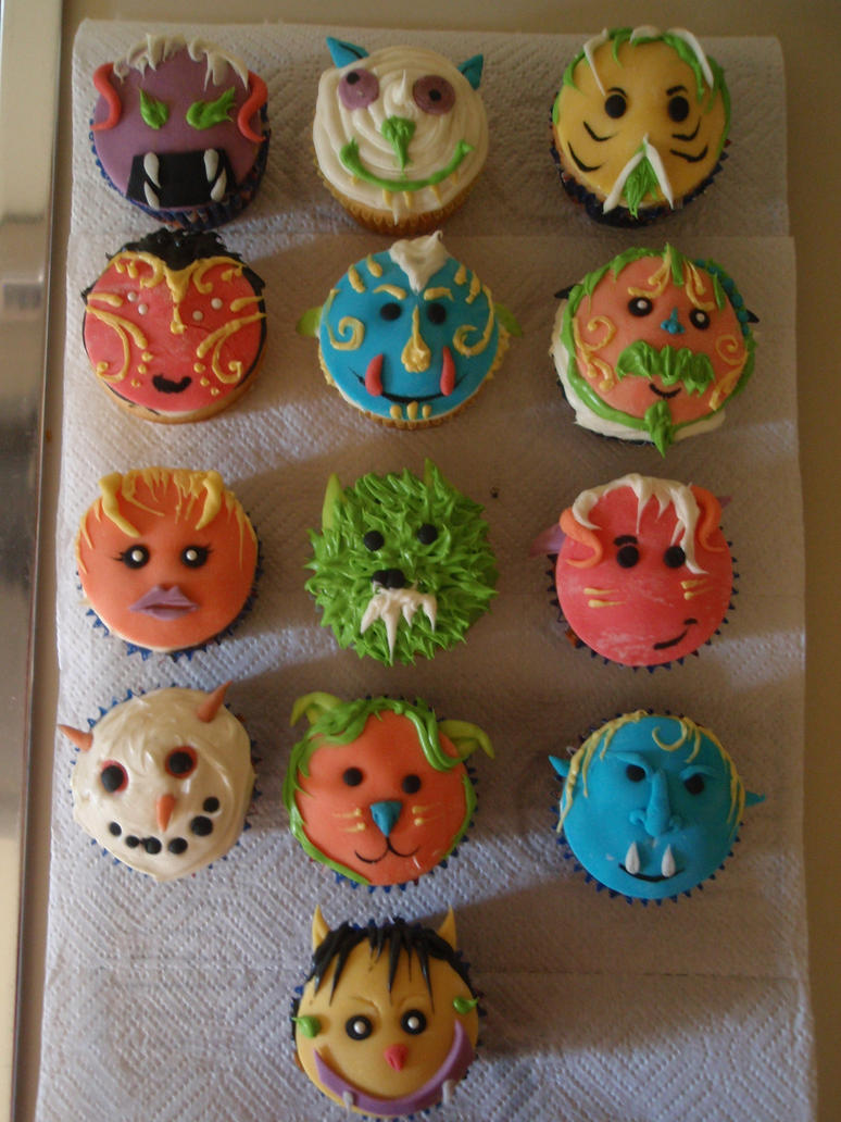 Monster Cupcakes by Elliesmeria
